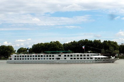VIVE LA FRANCE! TRIPLE FLY CRUISE HOLIDAY - AUGUST 2015
