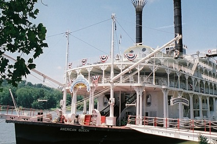 AMERICAN QUEEN STEAMBOAT - ST LOUIS TO CINCINNATI
