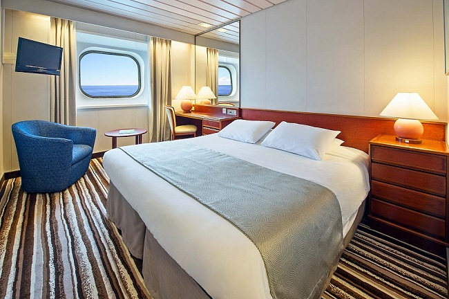 Cat 6 - Standard Twin Oceanview Stateroom