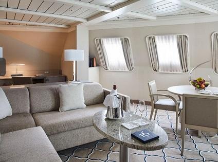 R1 - Royal 1 Bedroom Suite